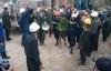 12 công nhân được đưa ra khỏi hầm: Niềm vui vỡ òa