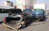"""Mercedes gặp sự cố trên đường bị xe tải tông """"nát"""" đuôi"""