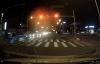 Chú chó biết chờ đèn đỏ khi tham gia giao thông