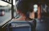 Nạn nhân bị quấy rối tình dục nóng lòng chờ xe bus riêng