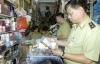 Hàng trăm ngàn đồ mỹ phẩm giả tại cửa hàng Xuân Thủy bị thu giữ