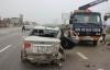 Tàu khách SE7 đâm xe 4 chỗ dập nát, tài xế bị thương nặng