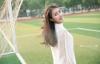 Nữ sinh 14 tuổi mặc mặc mốt giấu quần trong sân trường gây xôn xao cộng đồng mạng
