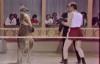 Không nhịn nổi cười xem chàng trai so tài đấm bốc với kangaroo