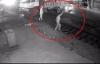 Video: Bất lực nhìn xe tải chết máy giữa đường ray bị tàu cán nát