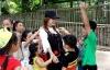 Facebook sao Việt: Minh Hằng nhí nhảnh bên các học trò nhí