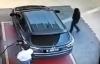 Trộm lẻn vào ôtô ăn cắp đồ trong nháy mắt