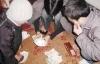 Ba thầy giáo tiểu học bị thôi việc vì đánh bạc