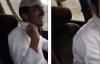 Hoảng hồn người đàn ông bị nhét rắn hổ mang vào người khi đang lái xe