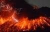 Video: Núi lửa phun trào tuôn dung nham cao 2.000m