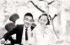 Chú rể qua đời vì tai nạn giao thông, cô dâu 18 tuổi tổ chức đám cưới một mình