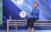Cậu bé dân ca Hồ Văn Cường gặp sự cố trên sân khấu
