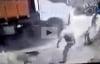 Lốp ô tô nổ hất tung người đàn ông lên không trung, tử vong