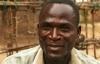 Người đàn ông nhiễm HIV được trả tiền để