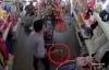 Video: Đôi nam nữ dẫn theo trẻ nhỏ vào shop quần áo dàn cảnh trộm iPhone 6
