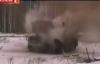 Video: Thiết giáp Nga thản nhiên chèn qua khối thuốc nổ 2kg