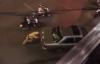 Cảnh sát giao thông Hà Nội đẩy ô tô chết máy giúp dân