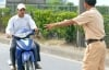 Không đội mũ bảo hiểm khi đi xe máy phạt bao nhiêu tiền?