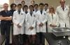 Học sinh sản xuất thuốc cho người nhiễm HIV