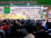 Cận Tết, siêu thị chật cứng khách mua hàng