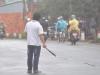 Clip: Bị bắn 4 phát súng, thanh niên ngáo đá vẫn cầm dao đuổi chém người
