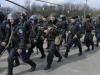 Binh lính, xe bọc thép, máy bay… rầm rập ở đông Ukraine