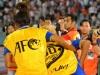 Xấu hổ với cách hành xử của Fan Việt: Ném chai nước vào cầu thủ Thái