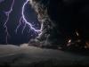Điều gì sẽ xảy ra khi sét đánh vào núi lửa đang phun trào?