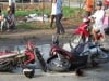 Đôi vợ chồng già dàn cảnh ăn vạ chàng trai đi xe SH giữa Sài Gòn