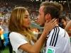 Gotze và bạn gái xinh như mộng tình tứ trên sân sau chung kết World Cup 2014