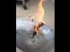 Xôn xao clip bún khô và bánh tráng đốt cháy rực lửa như củi khô