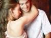 Nửa đêm chồng bị nhân tình của vợ... ôm hôn tới tấp