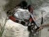 Xem rắn san hô cực độc xẻ thịt rắn chuột trong tích tắc