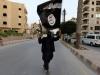 Chiến binh IS bị đồng đội đóng đinh lên cây thập tự giá vì phản đạo