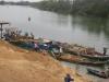 200 cảnh sát vây bắt 'cát tặc' khai thác trộm 1 tỷ đồng/ngày trên sông Hồng
