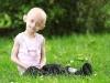 Hình ảnh xót lòng về cô bé 11 tuổi sống trong hình hài bà lão 80