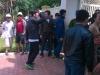 Người dân đổ về trước nhà ông Nguyễn Bá Thanh