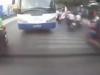 Bị đánh vì lái SH khiêu khích trước mũi xe khách