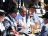 Video: Tổng thống Obama đi uống bia với Thủ tướng Đức