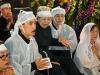 Ngồi xe lăn, vợ nhạc sĩ Phan Huỳnh Điểu đau đớn tiễn biệt chồng