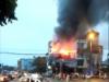 Hà Nội: Cháy lớn ở Gia Lâm, quán cà phê bốc cháy ngùn ngụt