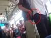 Clip kẻ gian công khai thủ đoạn 'móc túi' trên xe buýt Hà Nội