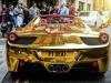 'Chói mắt' với siêu xe 6,5 tỷ dát vàng đậu giữa phố