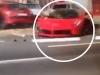 Siêu xe Ferrari 33 tỷ đồng vừa rời đại lý đã gây tai nạn