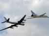 Máy bay ném bom Nga trút 'mưa' tên lửa xuống thành trì IS