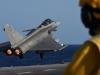 Video: Chiến đấu cơ Pháp xuất kích từ tàu sân bay đi diệt IS