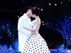 Angela Phương Trinh 'khóa môi' mẫu nam trên sàn diễn