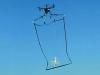 """Cảnh sát Tokyo có cách """"vợt"""" drone như bắt cá"""