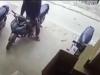 Dân mạng xôn xao clip tên trộm thản nhiên bẻ khóa lấy xe trong vài giây