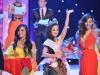 Thúy Nga tái hiện sự cố trao nhầm vương miện Hoa hậu Hoàn vũ 2015